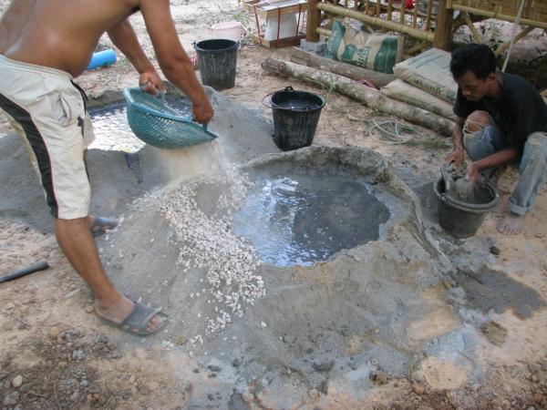 ผสม หิน ปูน ทราย เทพื้นห้องน้ำ