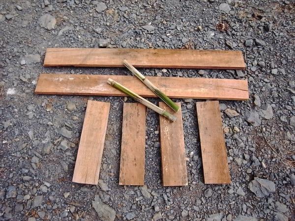 ตัดไม้ทำบล็อคอิฐดิน